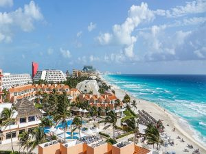 Family Holidays to Cancun Mexico