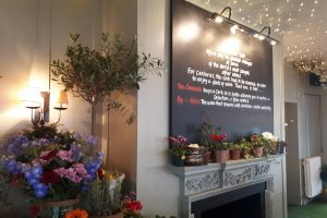 Bel and the dragon cookham review interior eating out with kids berkshire